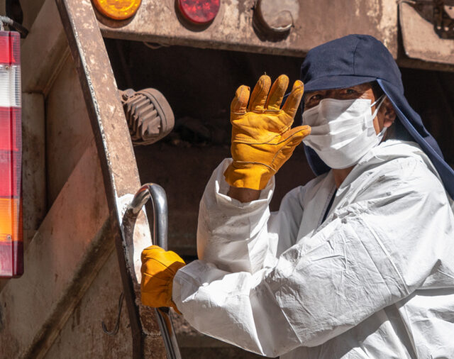 NWRA urges governors to include waste and recycling workers as part of states' COVID-19 vaccine distribution plans
